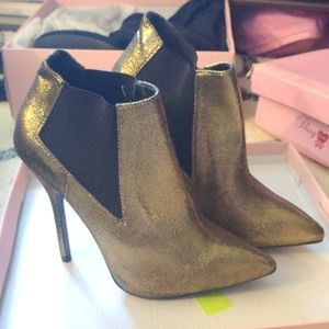Forever 21 gold shimmer heeled booties